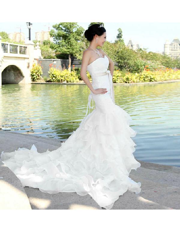 uszályos csipkés menyasszonyi ruha webshop ár  59.900 Ft 9cf8455dfc