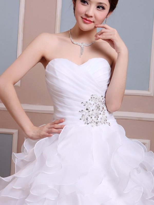 nagy fodros aljú esküvői ruha webshop ár  69.900 Ft f3c58a2d31